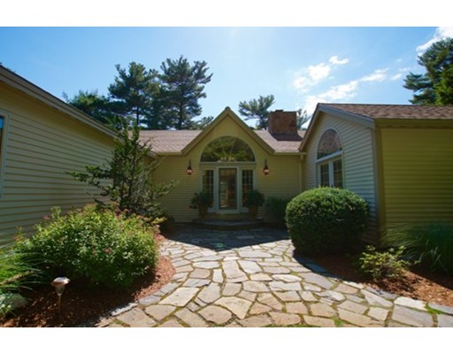 39  Beaver Pond Road,  Beverly, MA