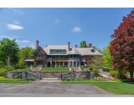 Single Family Home for Sale at 105 Hill Street Topsfield, Massachusetts 01983 United States