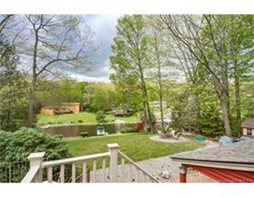 Single Family Home for Sale at 109 Crooked Trail Ext Woodstock, Connecticut 06281 United States