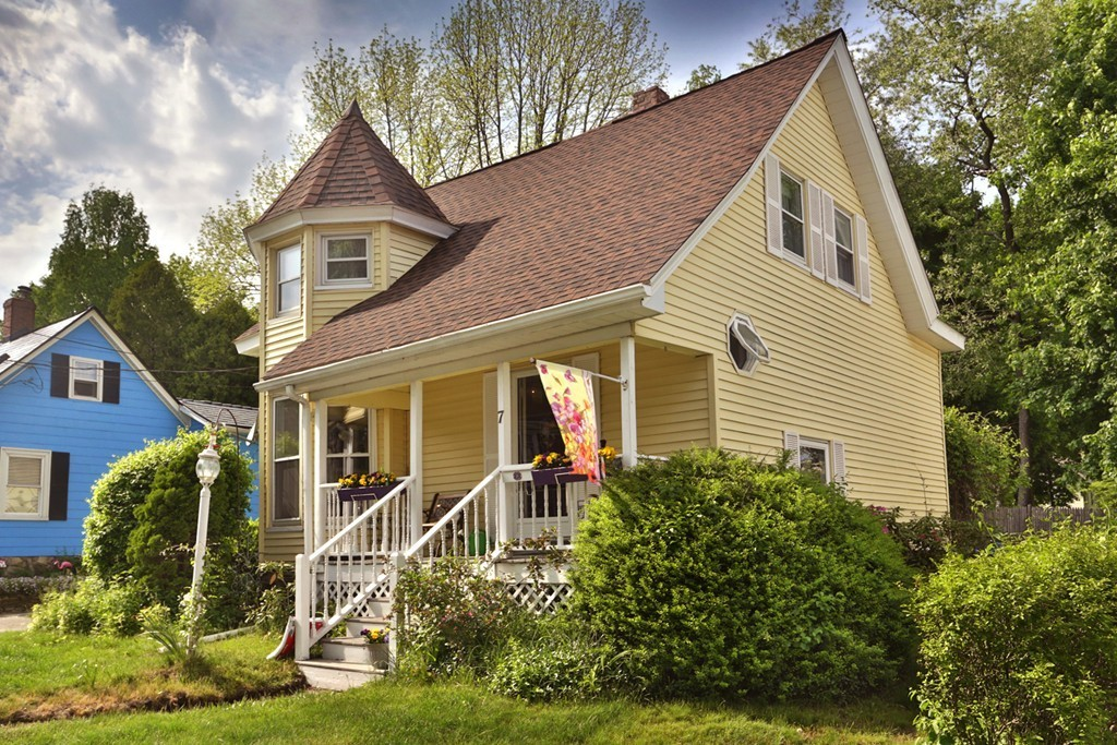 Property for sale at 7 Lake Ave, Haverhill,  MA 01830