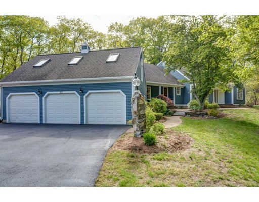 22 Holland Road, Wakefield, MA