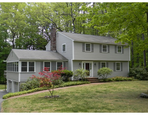 25  Cricket Hill Drive,  Amherst, NH