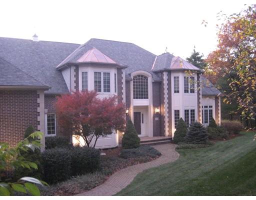 Single Family Home for Sale at 8 Alice Bradley Lane Foxboro, Massachusetts 02035 United States