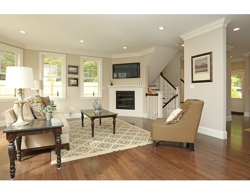 Additional photo for property listing at 8 Wetherell Street 8 Wetherell Street Newton, Massachusetts 02464 Vereinigte Staaten