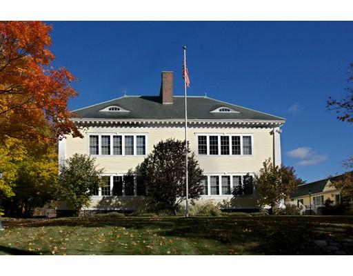 Condominio por un Venta en 42 Phillips Road 42 Phillips Road Holden, Massachusetts 01520 Estados Unidos