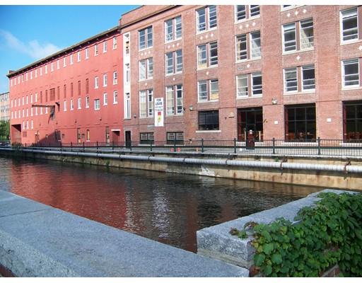 共管式独立产权公寓 为 销售 在 17 Kearney Square Lowell, 01852 美国