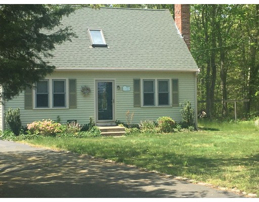 Casa Unifamiliar por un Venta en 729 Rocky Hill Road Plymouth, Massachusetts 02360 Estados Unidos