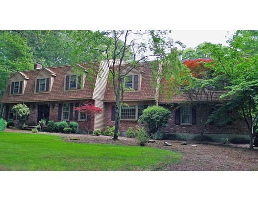 独户住宅 为 销售 在 124 Bogastow Brook Road 124 Bogastow Brook Road 舍伯恩, 马萨诸塞州 01770 美国