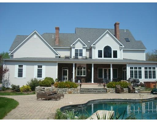 Частный односемейный дом для того Продажа на 56 Blackstone Street Mendon, Массачусетс 01756 Соединенные Штаты