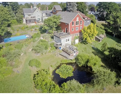 Maison unifamiliale pour l Vente à 115 Bridge Street Northampton, Massachusetts 01060 États-Unis