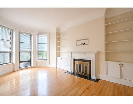 Condominium/Co-Op for sale in 362 Commonwealth Ave Back Bay, Boston, Suffolk