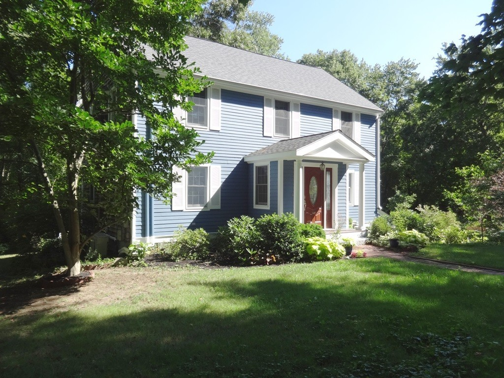 $819,000 - 4Br/5Ba -  for Sale in Hingham