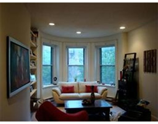 Condominium for Rent at 7 Follen #3 7 Follen #3 Boston, Massachusetts 02116 United States