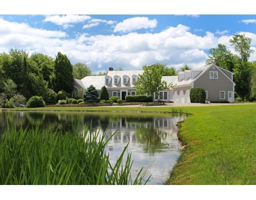 واحد منزل الأسرة للـ Sale في 180 Rock O' Dundee Road Dartmouth, Massachusetts 02748 United States