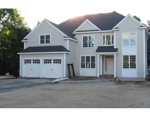 Single Family Home for Sale at 102 Green 102 Green Medfield, Massachusetts 00000 United States