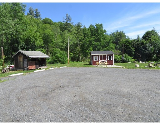 Additional photo for property listing at 40 Goshen Road  Williamsburg, Massachusetts 01096 United States