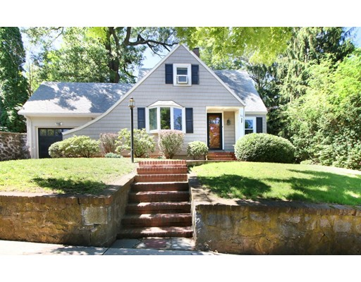 34 Peak Hill Road, Boston, MA 02132