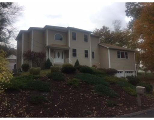 Частный односемейный дом для того Аренда на 136 Thompkins Avenue 136 Thompkins Avenue East Longmeadow, Массачусетс 01028 Соединенные Штаты
