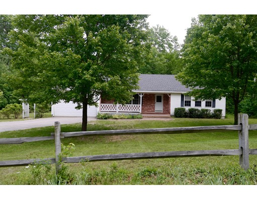 Single Family Home for Sale at 171 Stark Hwy N Dunbarton, New Hampshire 03046 United States