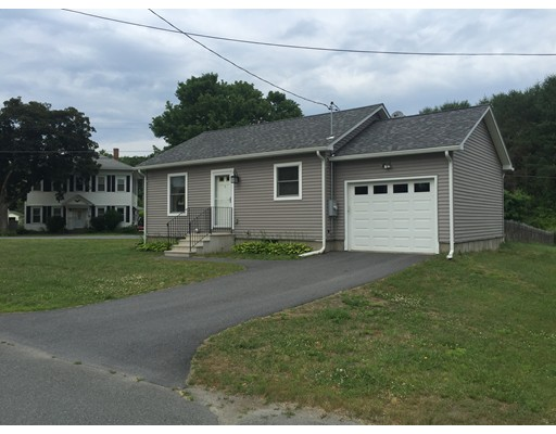 واحد منزل الأسرة للـ Sale في 1 Grove Street Gill, Massachusetts 01354 United States