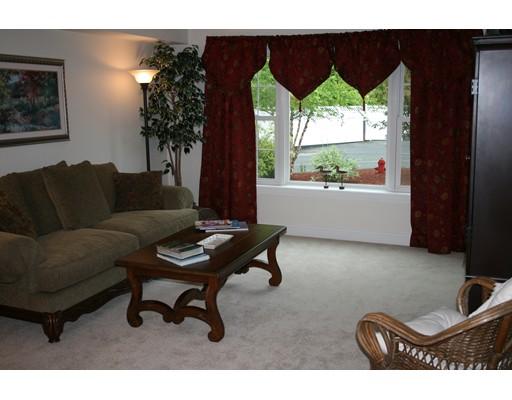 Condominio por un Venta en 27 Greenleaves Drive Amherst, Massachusetts 01002 Estados Unidos