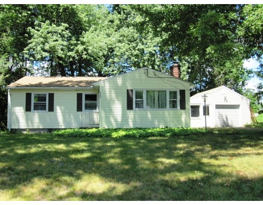 13  Country Ln,  South Hadley, MA