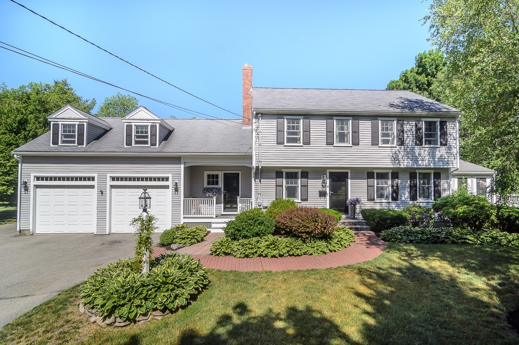 $979,000 - 5Br/3Ba -  for Sale in Hingham