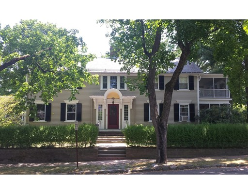 Single Family Home for Sale at 4 Barrett Place Northampton, Massachusetts 01060 United States