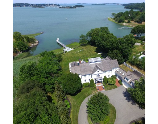 Maison unifamiliale pour l Vente à 4 Bare Cove Lane Hingham, Massachusetts 02043 États-Unis