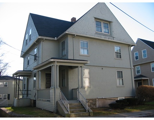 Maison avec plusieurs logements pour l Vente à 435 Cherry Street 435 Cherry Street Fall River, Massachusetts 02720 États-Unis