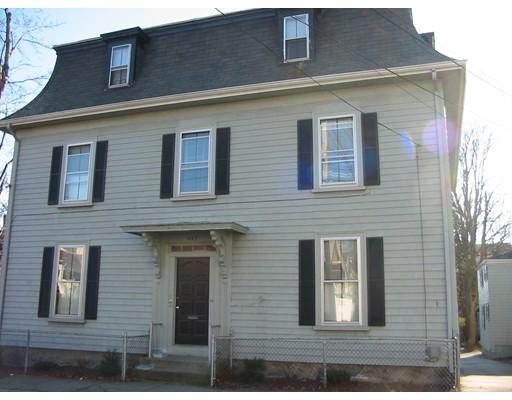 Maison avec plusieurs logements pour l Vente à 447 Cherry Street 447 Cherry Street Fall River, Massachusetts 02720 États-Unis