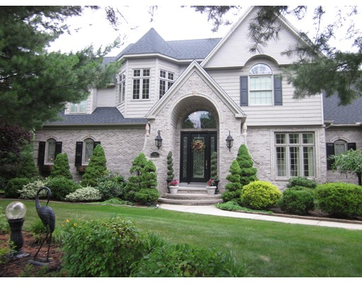 Casa Unifamiliar por un Venta en 65 Cedar Woods Glen West Springfield, Massachusetts 01089 Estados Unidos