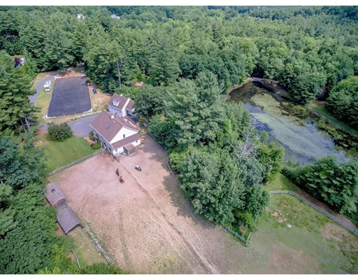 Additional photo for property listing at 137 Westford  Tyngsborough, Massachusetts 01879 Estados Unidos