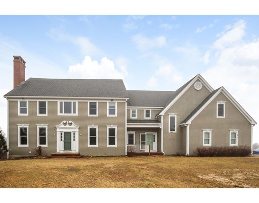 Single Family Home for Sale at 10 Foretop Road 10 Foretop Road Bourne, Massachusetts 02532 United States