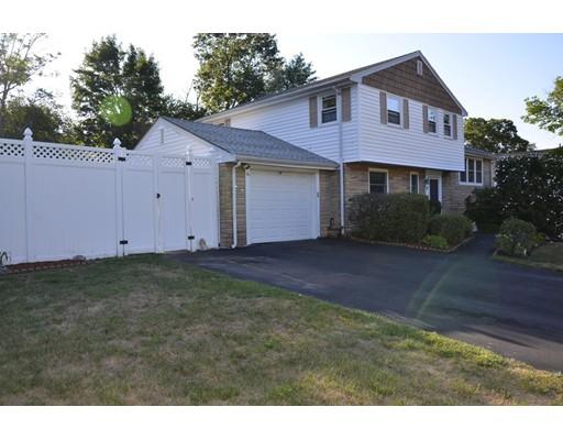 独户住宅 为 销售 在 12 Flint Locke Road 伦道夫, 马萨诸塞州 02368 美国