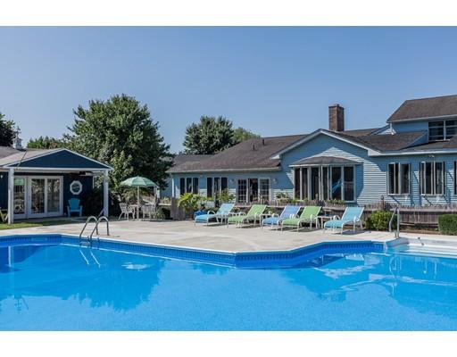 واحد منزل الأسرة للـ Sale في 2 Hilltop Acres 2 Hilltop Acres Granby, Massachusetts 01033 United States