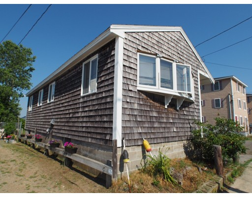 30  Cable Avenue,  Salisbury, MA