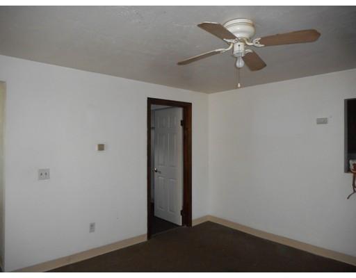 Apartamento por un Alquiler en 70 Sheridan St. #1 70 Sheridan St. #1 Fitchburg, Massachusetts 01420 Estados Unidos
