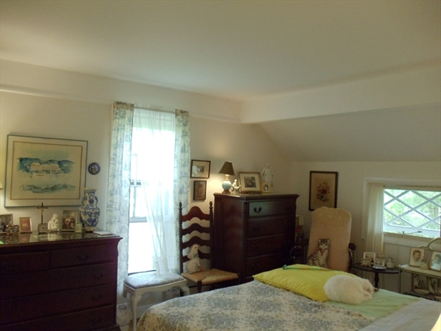 Photo #11 of Listing 584 Main Street