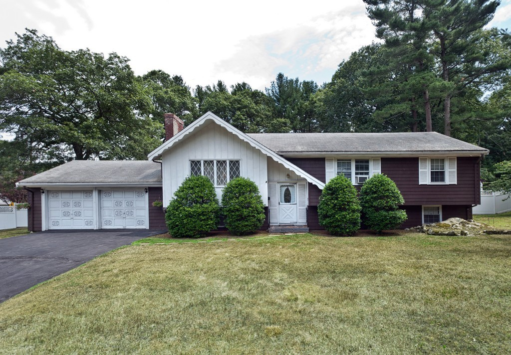 $539,900 - 3Br/3Ba -  for Sale in Hingham