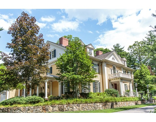 Single Family Home for Sale at 124 Dover Road Wellesley, Massachusetts 02482 United States