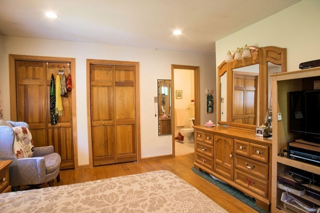 Photo #10 of Listing 69 Grantwood Drive