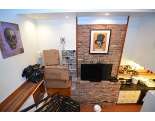 Additional photo for property listing at 51 Brimmer Street 51 Brimmer Street Boston, Massachusetts 02108 États-Unis