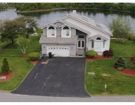 Single Family Home for Sale at 24 Lands End Way Swansea, Massachusetts 02777 United States