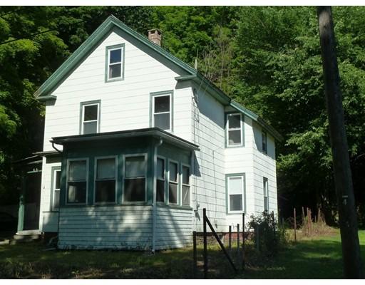 واحد منزل الأسرة للـ Sale في 10 North Street Erving, Massachusetts 01344 United States