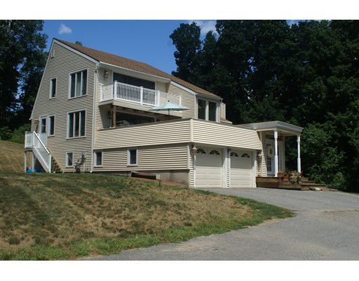Single Family Home for Sale at 128 Russett Lane North Andover, Massachusetts 01845 United States