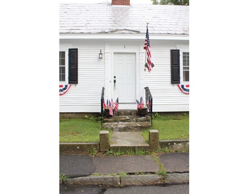 3 Water St, Freetown, MA 02702