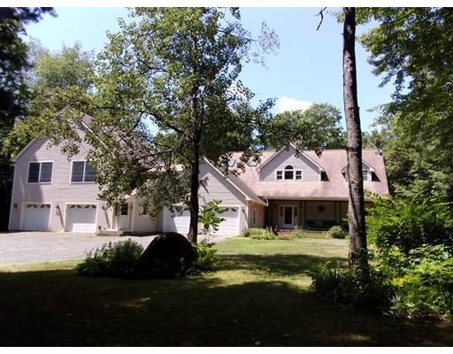 独户住宅 为 销售 在 710 Colebrook River Road Tolland, 01034 美国