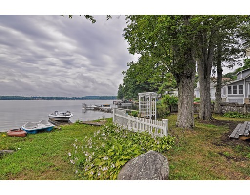 Single Family Home for Sale at 3 Lake Avenue Merrimac, Massachusetts 01860 United States
