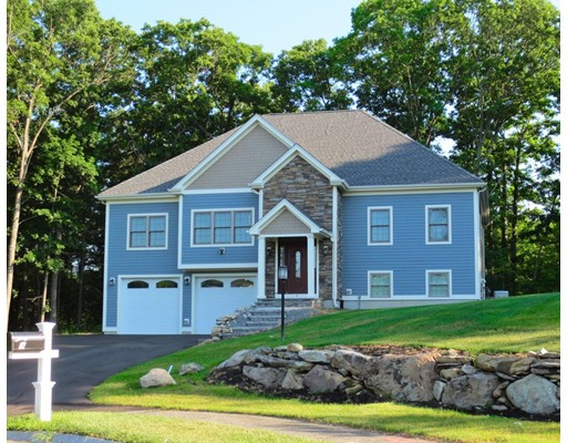 Single Family Home for Sale at 9 King Phillip Place Foxboro, Massachusetts 02035 United States